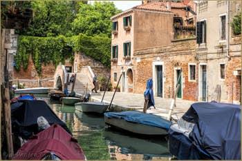 Le Rio del Trapolin et le pont Moro, dans le Cannaregio à Venise.