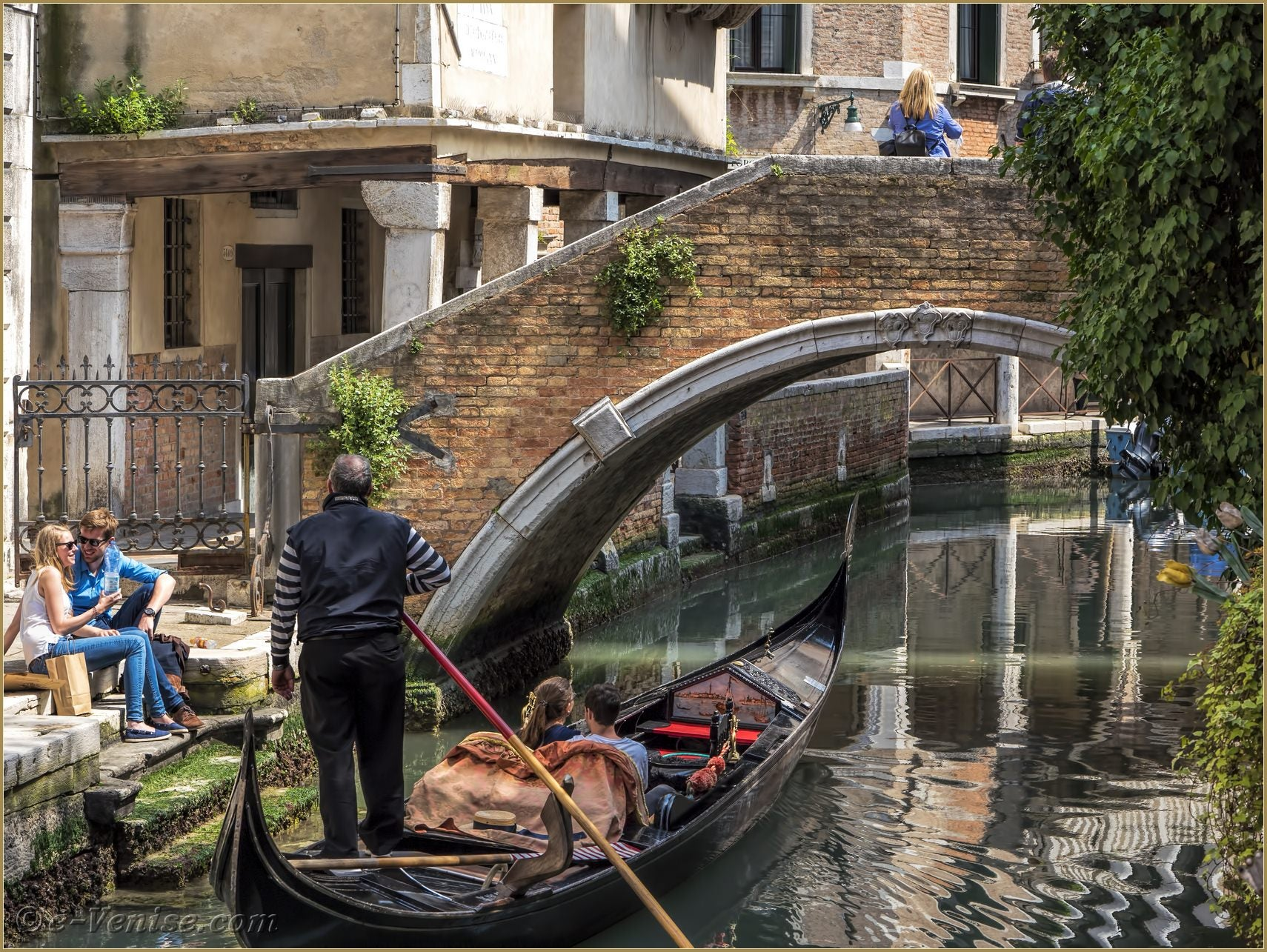 Venise ville de l 39 amour gondole widmann for Venise hotel piscine