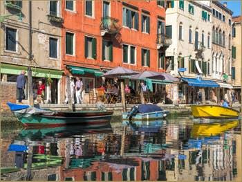 Couleurs du Rio de la Misericordia, dans le Cannaregio à Venise.