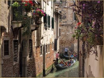 Gondoles Rio dei Miracoli et Malibran, dans le Cannaregio à Venise.
