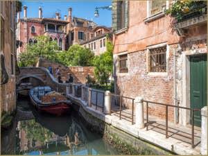 Pont San Cristoforo Rio de le Torreselle, dans le Dorsoduro à Venise.