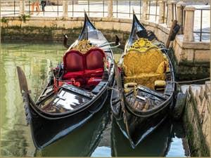 Couple de Gondoles à la Maddalena, dans le Cannaregio à Venise.