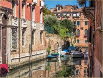 Rio Sant'Andrea o dei Gozzi, dans le Cannaregio à Venise.