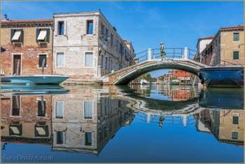 Le Rio et le pont de le Terese, dans le Dorsoduro à Venise.