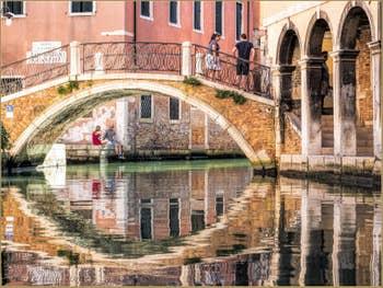 Le Rio dei Santi Apostoli et le pont San Canzian, dans le Cannaregio à Venise.