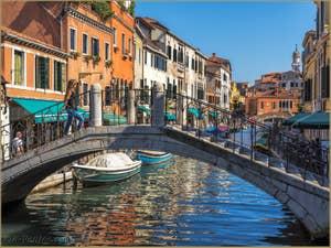 Le Pont et le Rio del Gaffaro à Venise.