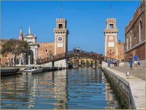 Le Rio et l'entrée de l'Arsenal de Venise.