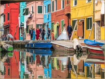 Mariage sur l'île de Burano à Venise.