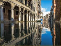 Reflets Rio dei Santi Apostoli à Venise