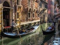 Gondoles Rio Borgoloco à Venise