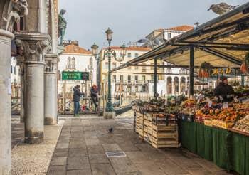 L'Erbaria au Marché du Rialto à Venise.