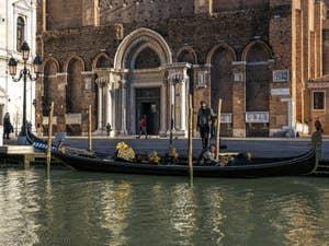 Gondole à San Giovanni e Paolo, dans le Castello à Venise.