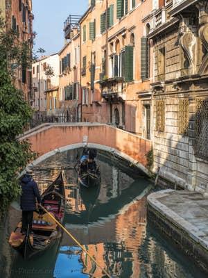 Gondoles Rio Widmann, dans le Cannaregio à Venise.