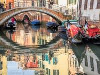 Gondoles Rio del Mondo Novo à Venise