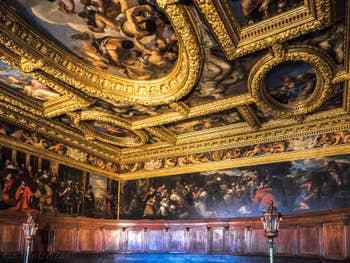 La Salle du Conseil des Dix du Palais des Doges à Venise.