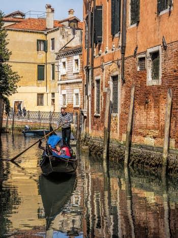 Gondole Rio de San Severo, dans le Castello à Venise.
