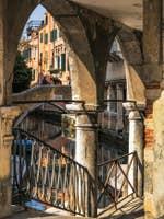 Sotoportego del Magazen à Venise