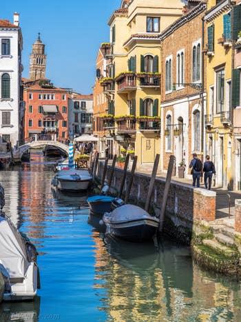 Le Rio et le pont San Vio, dans le Dorsoduro à Venise.