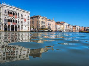 Le Palais de la Ca' d'Oro sur le Grand Canal à Venise.