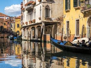 Gondole Rio Priuli Santa Sofia, palazzo Benedetta, dans le Cannaregio à Venise.