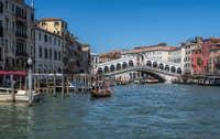 En Vaporetto sur le Grand Canal de Venise.