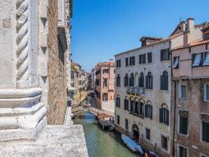 Le Rio et le pont de la Fava à Venise.