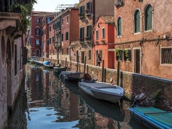Le Rio et la Fondamenta dei Sartori, dans le Cannaregio à Venise.