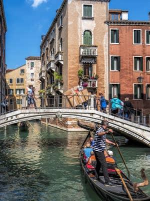 Gondole sur le Rio dei Fuseri, à Saint-Marc à Venise.