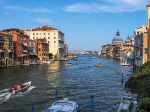 Le Grand Canal et la Salute à Venise.