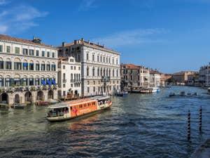 Palazzo Grassi sur le Grand Canal de Venise.