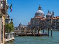 Le Grand Canal et l'église de la Salute à Venise