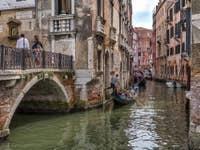 Gondoles Rio del Mondo Novo au pont Pasqualigo à Venise