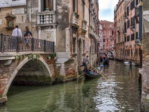 Gondoles Rio del Mondo Novo au pont Pasqualigo, dans le Castello à Venise.