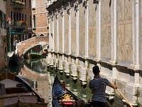 Gondoles et gondoliers dei Miracoli à Venise