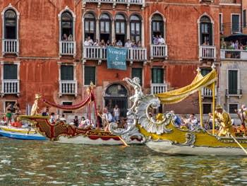 Les Bissones de la Regata Storica de Venise