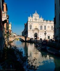 La Scuola Grande San Marco et le pont Cavallo, le long du Campo San Giovanni e Paolo dans le Sestier du Castello à Venise