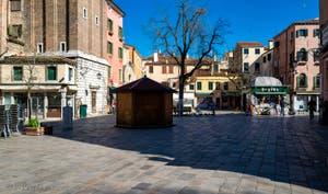 le Campo dei Santi Apostoli vu depuis la Strada Nuova, dans le Sestier du Cannaregio à Venise