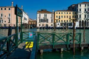 le Traghetto de Santa Sofia pour aller au marché du Rialto, dans le Sestier de San Polo à Venise