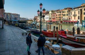 Riva del Carbon, au pied du pont du Rialto, dans le Sestier de San Marco à Venise