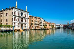 Le Grand Canal de Venise pendant le confinement du Covid-19 à Venise au printemps