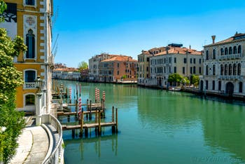 Il Canal Grande di Venezia visto dal ponte dell'Accademia durante il lockdown del Coronavirus Covid-19 a Venezia