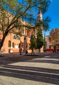 Le Campo de la Confraternita, le Campanile et l'église de San Francesco de la Vigna, dans le Sestier du Castello à Venise.
