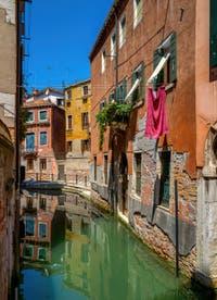 Le Rio de San Zaninovo et la Fondamenta drio Ruga Giuffa, dans le Sestier du Castello à Venise.