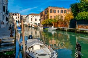 La Venise du Castello, le Rio et le pont de San Lorenzo.