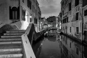 Le pont dei Preti et le Rio del Mondo Novo dans le Castello à Venise.