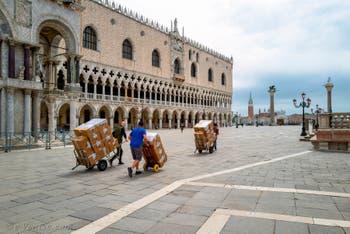 La Piazzetta San Marco devant le Palais des Doges à Venise