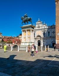Le Campo San Giovanni e Paolo et la statue du Colleone dans le Castello à Venise.
