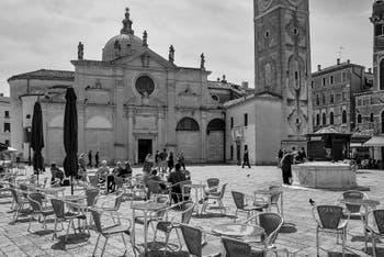 Le Campo et l'église Santa Maria Formosa dans le Castello à Venise.