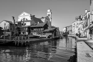 Le Rio, le Squero et l'église de San Trovaso dans le Dorsoduro à Venise.