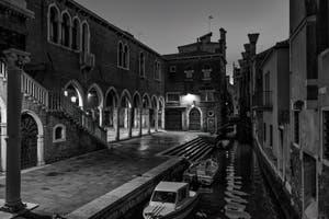 Le Rio de le Becarie et le Marché du Rialto dans le Sestier de San Polo à Venise.